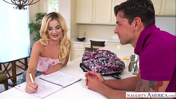 Bubble-butt Bella banged by big bopper! – Naughty America