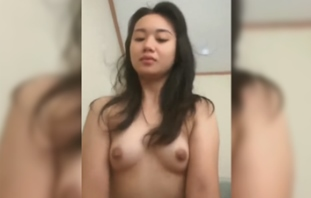Izmygirl Model 1st Video – Gusto na Kitang Anakan!