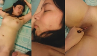 Hipoan at na finger pa old sex videos never gets old
