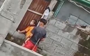 Tinorjack sa gilid na videohan ng kapitbahay